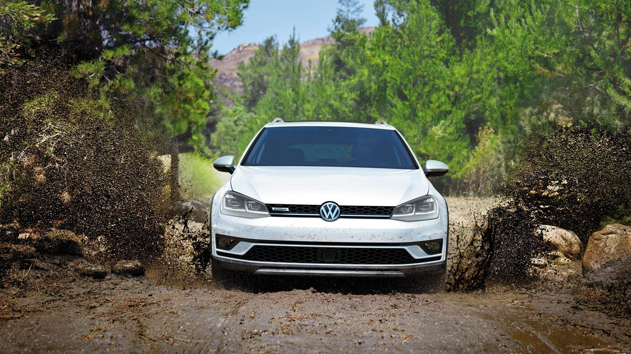 2019 VW Golf Alltrack  Raised suspension